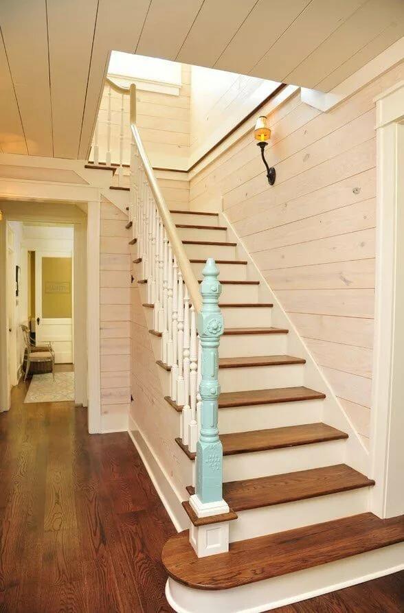 своему деревянные лестницы между этажами фото крупный остров