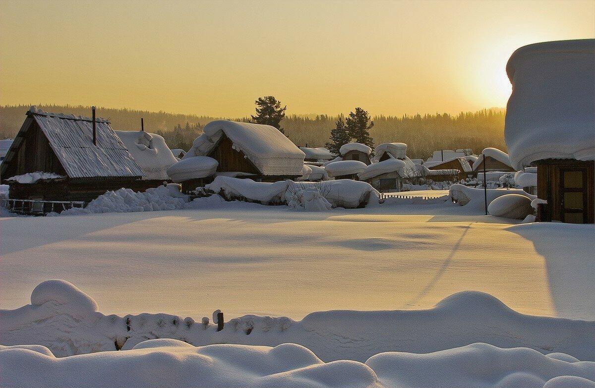 Зимняя деревня фото обои на рабочий стол