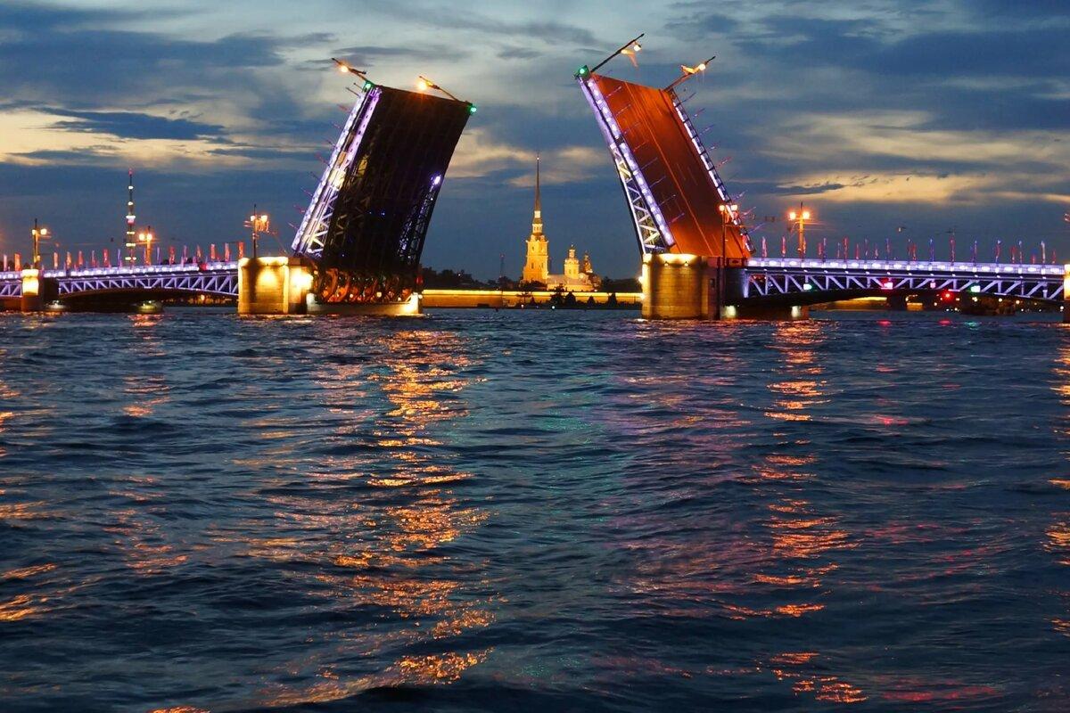 Братеевском мосту висит неизвестный мужчина фото подобранный