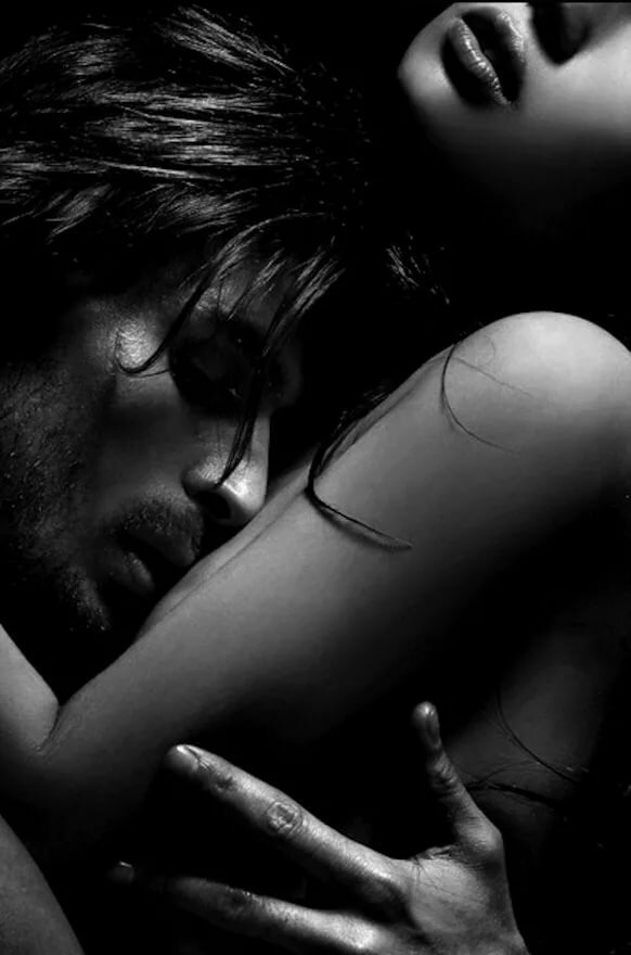 Картинки черно-белые любовь страсть