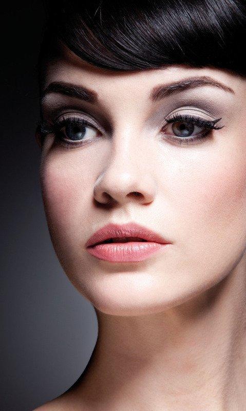 нежный макияж с акцентом на глаза