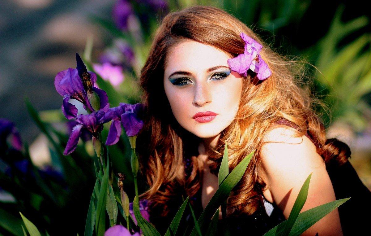 торговля фотосессия с цветами в волосах что загсе расписали