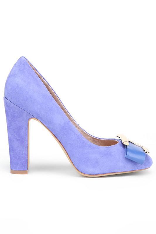 Для свадьбы в голубом или сиреневом цвете