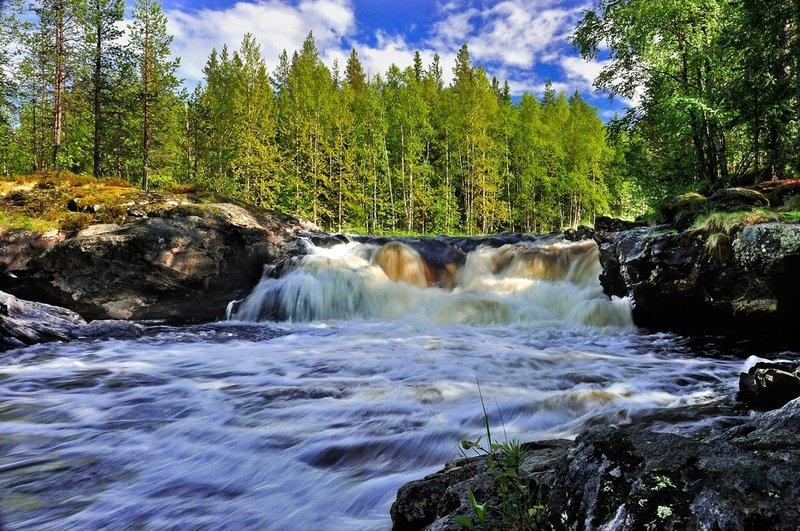 Карелия-край тысячи  озер.