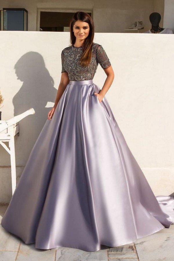 387e0a36ed2 Ищете модные платья на выпускной  Нужны идеи  Самые шикарные ...