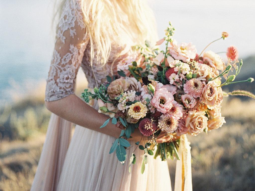 Стильные букеты невест, протеями фото