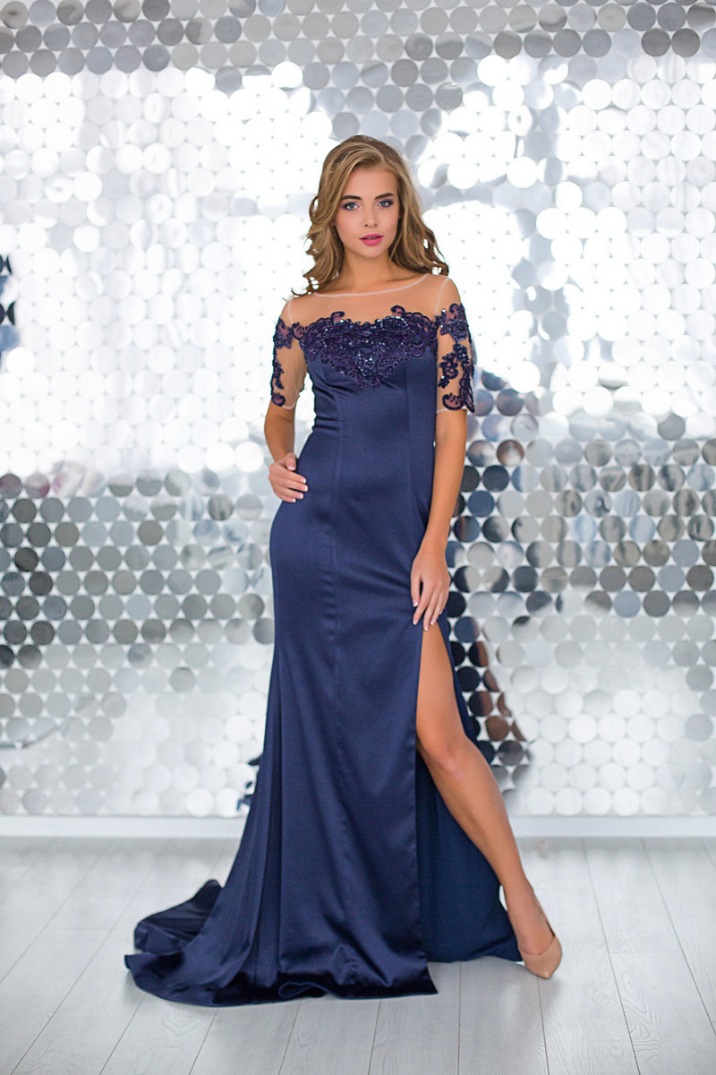 Платье из стрейч-сатина
