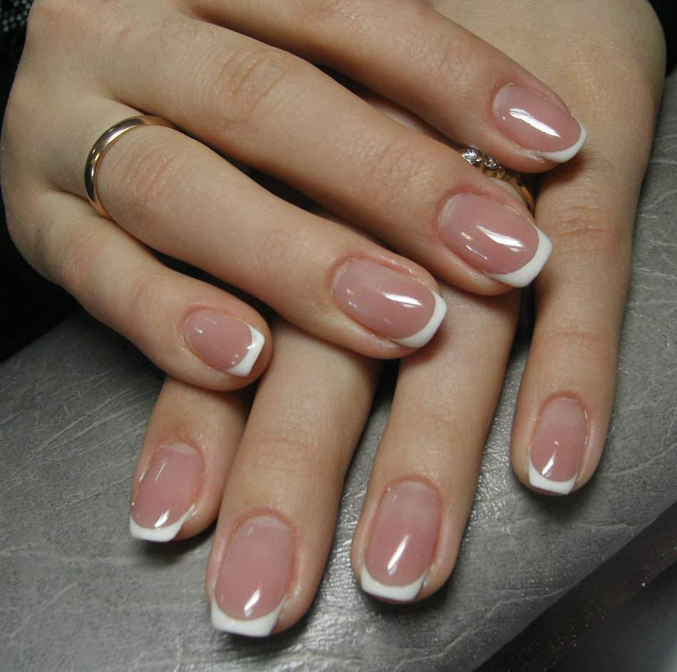 край популярен гелевое покрытие ногтей фото на короткие ногти картинки
