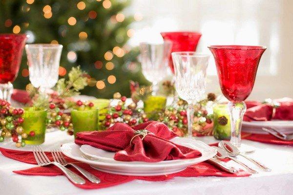 Украшение для праздничного стола в домашних условиях 33