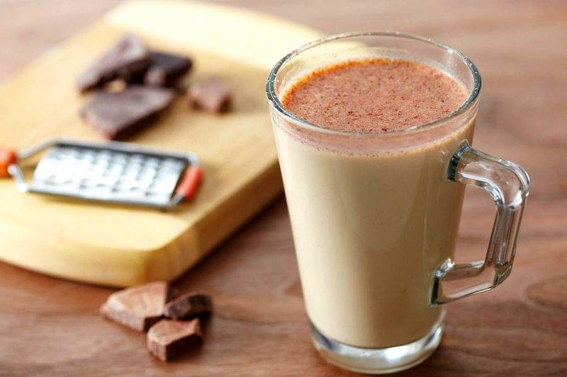 Кофейно-молочный коктейль.