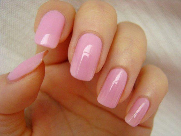 Розовый маникюр подчеркнет Вашу нежность и утонченность