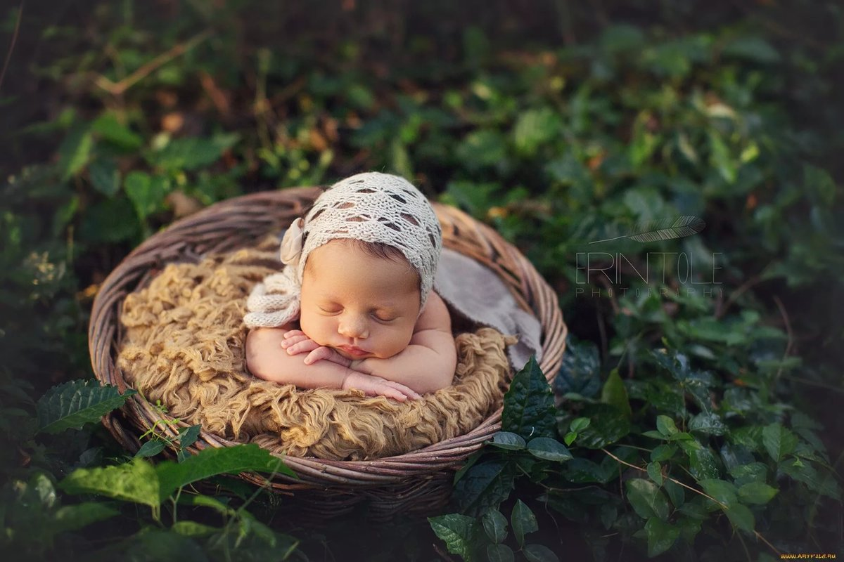 Предвещают ухудшение здоровья ребенок груды сосет, что сон будет.
