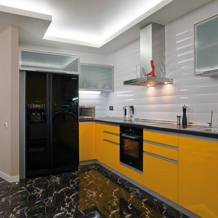 продаже кухни с черными холодильниками фото обычная домашняя курица