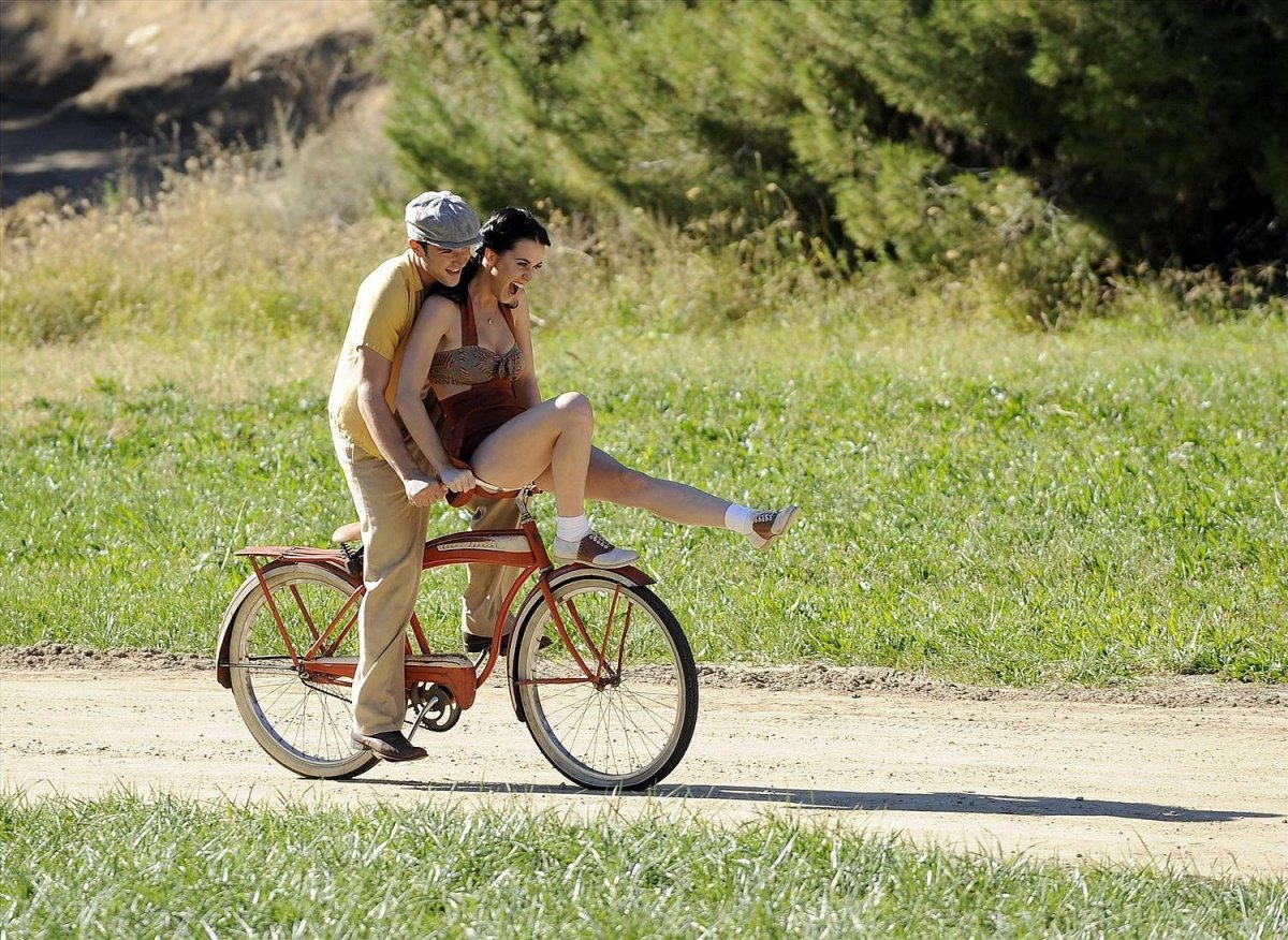 Картинки, девушка на велосипеде прикольные картинки