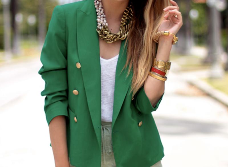 Модный зеленый