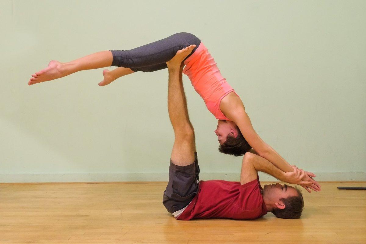 Картинки для йога челленджа на двоих