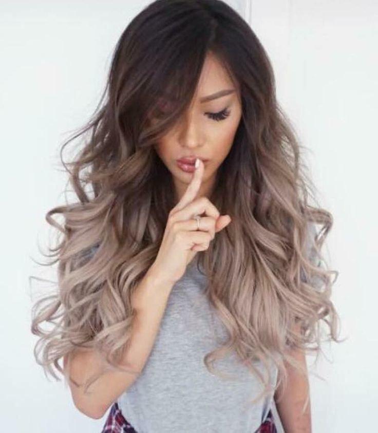 Длинные волосы пепельные