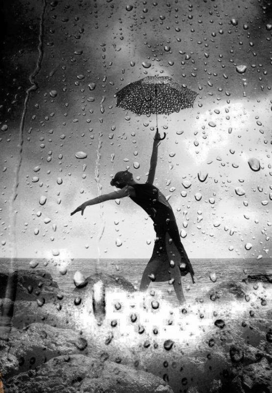 Девушка дождь картинка черно белая