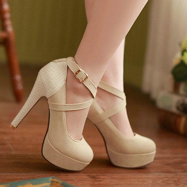 Сексуальные модные туфли