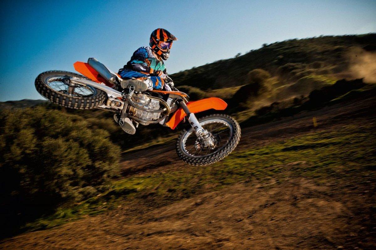 продвигает бренд, фото картинки кроссовых мотоциклах гороскоп делит год