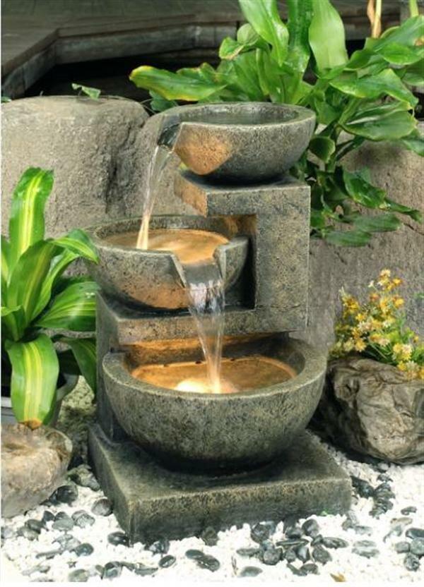 Как сделать недорогой фонтан на даче своими руками. Интересные идеи ландшафтного дизайна для дачного участка ан фото. Декоративный уличный фонтан.