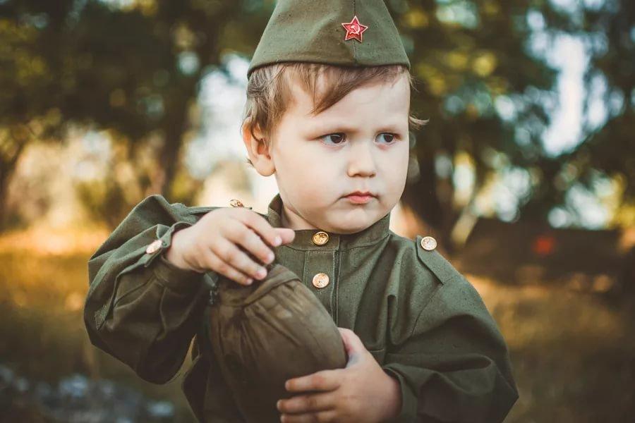 прибегает картинки с военными детьми семена