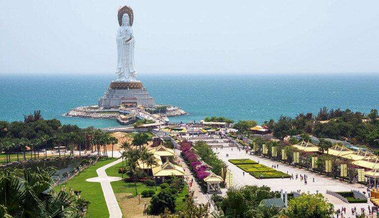 Богиня Гуаньинь (Хайнань, Китай)