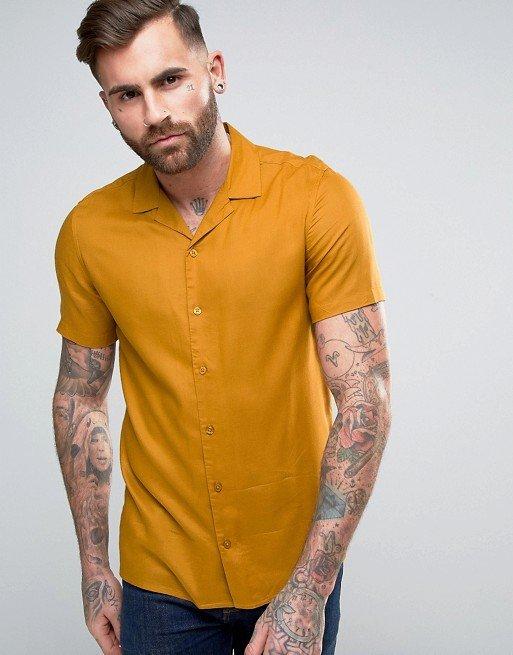 Рубашка классического кроя из вискозы горчичного цвета с отложным воротником