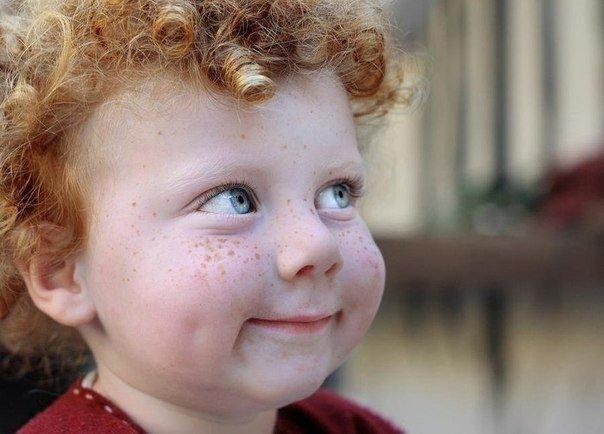 миленький парниша с рыжим волосом