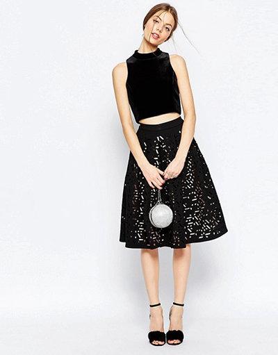 Черная объемная юбка