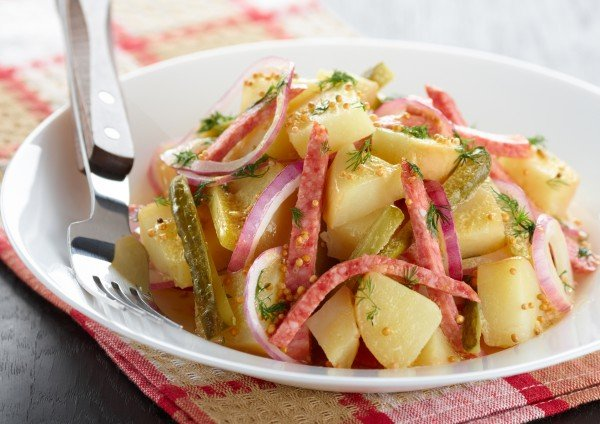 Салат с картофелем и ветчиной