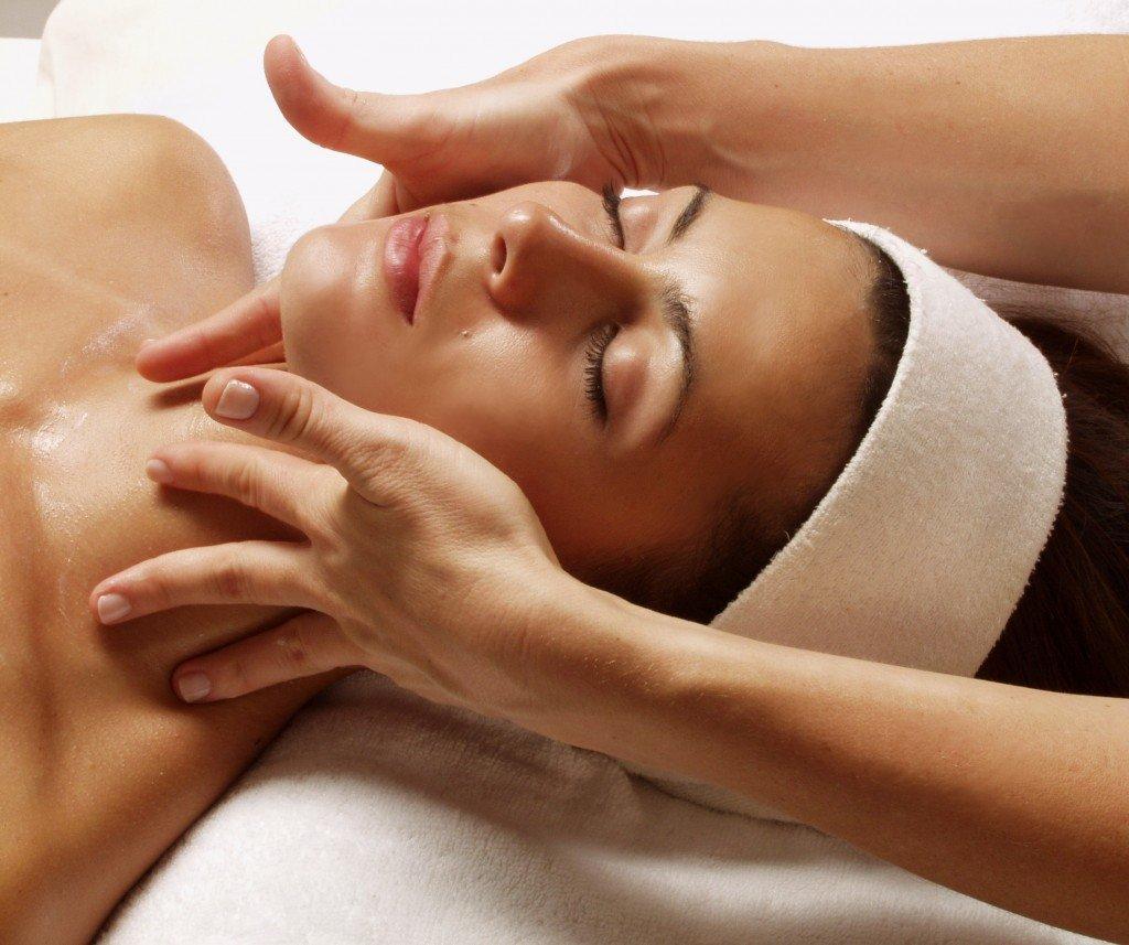 Aveda facial massage — 11