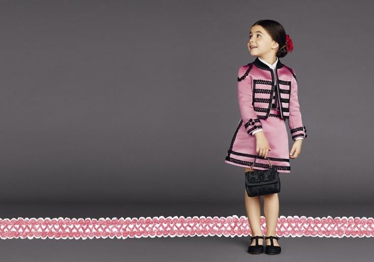 Интересный стиль детского платья.