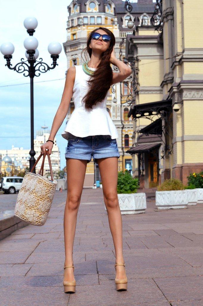 Женщины с худыми ногами фото #2