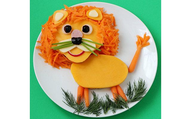 Зачастую, чтобы накормить ребёнка полезной едой нужно приготовить льва