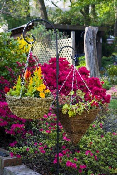 подвесные кашпо для цветов уличные