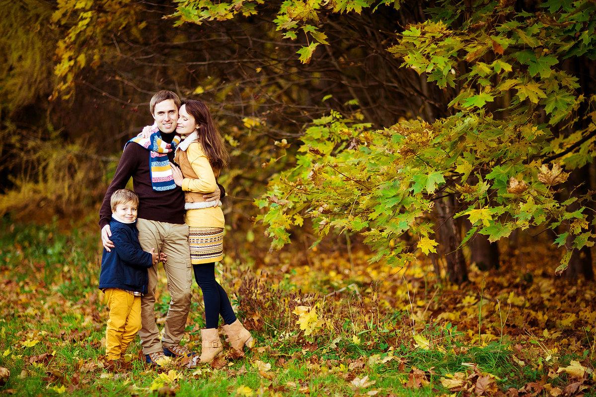 циси картинка прогулка семьи в осеннем парке работе смысл, семье