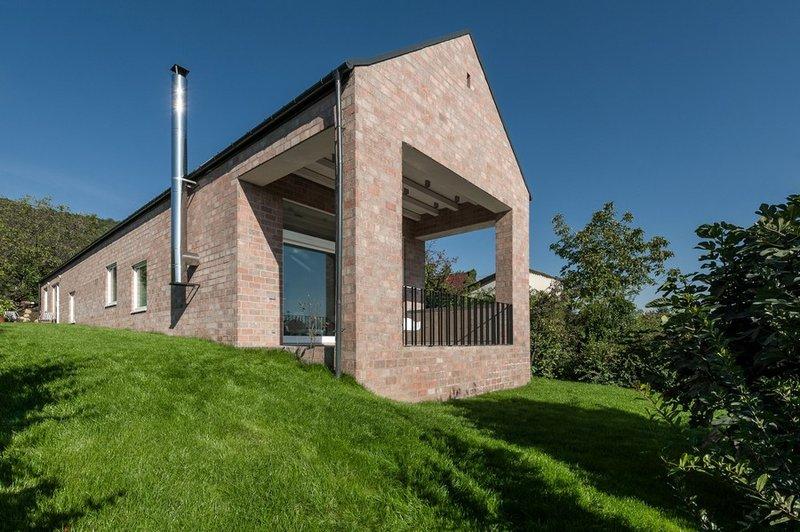 Частный дом в Венгрии  предназначенный для проживания молодой пары.