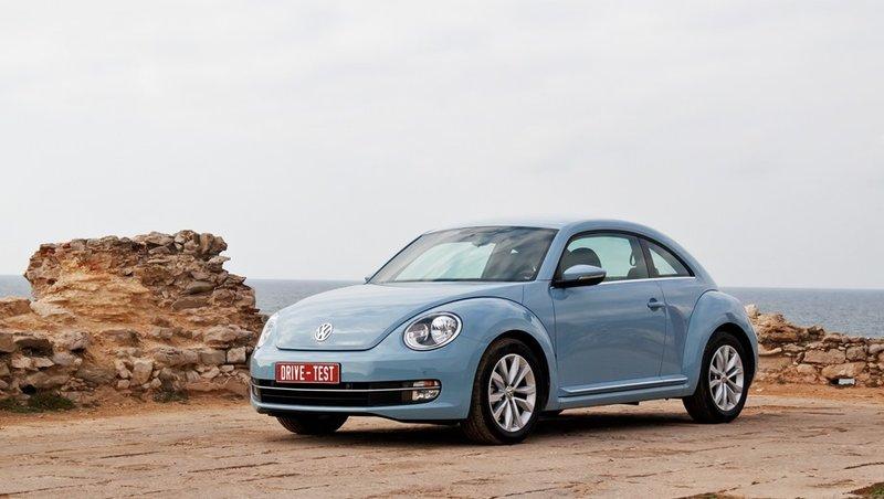 Volkswagen › Beetle Выпускается с 2012 года. Семь базовых комплектаций. Двигатель от 1.2 до 2.0, бензиновый. Привод передний. КПП: механическая и роботизированная.