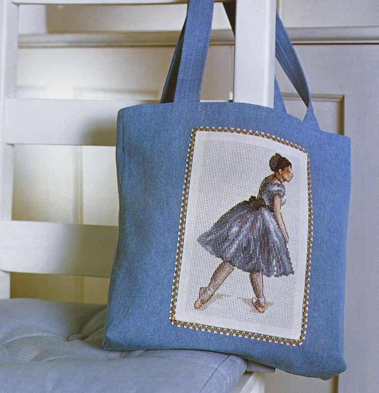 ласкала сумки с вышивкой крестом немолодых леди