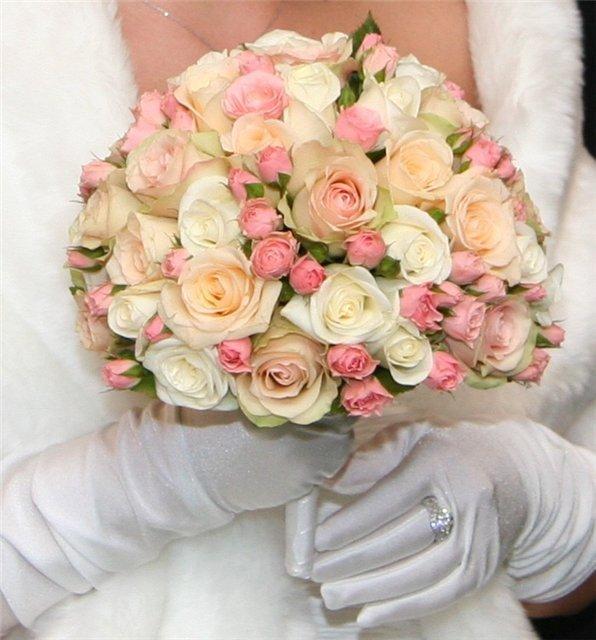 Букет из кустовых роз на свадьбу