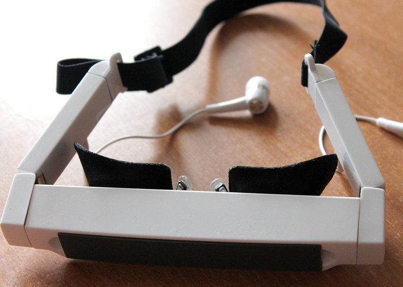 такие очки подойдут для тех, кто хочет не мешая абсолютно окружающим, посмотреть любимый фильм.
