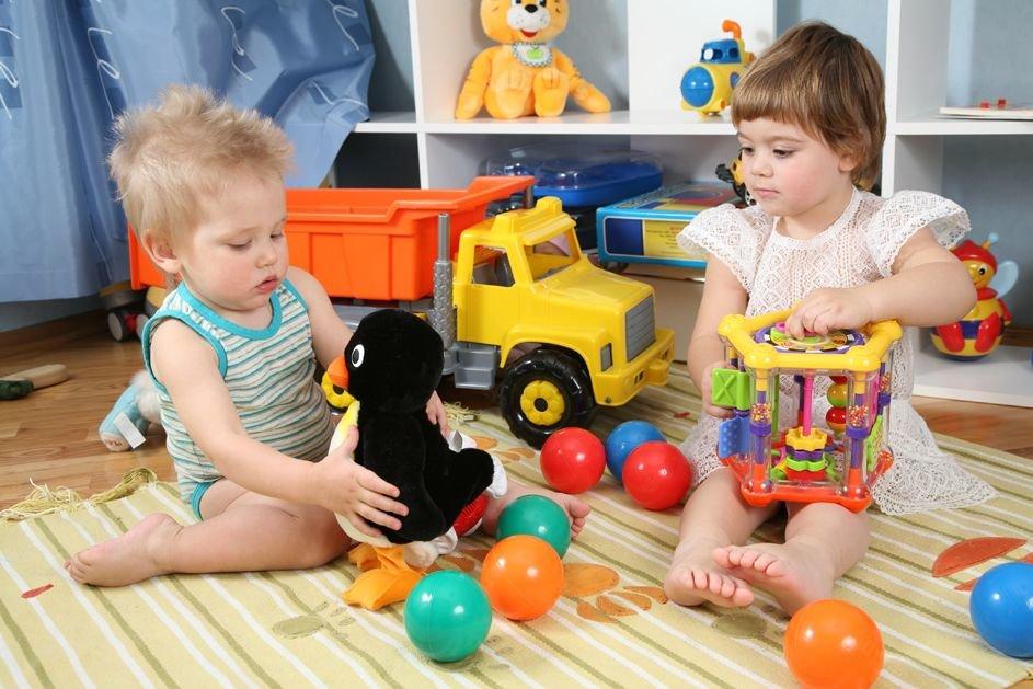 Картинки дети и игрушки в детском саду, днем рождения