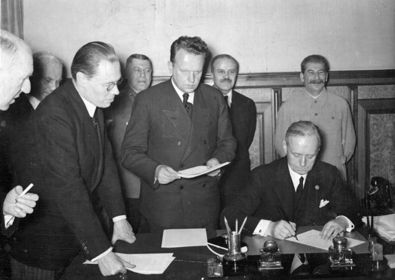 28 сентября 1939 года СССР и Германия заключили договор «О дружбе и границе», закрепивший ликвидацию Польши