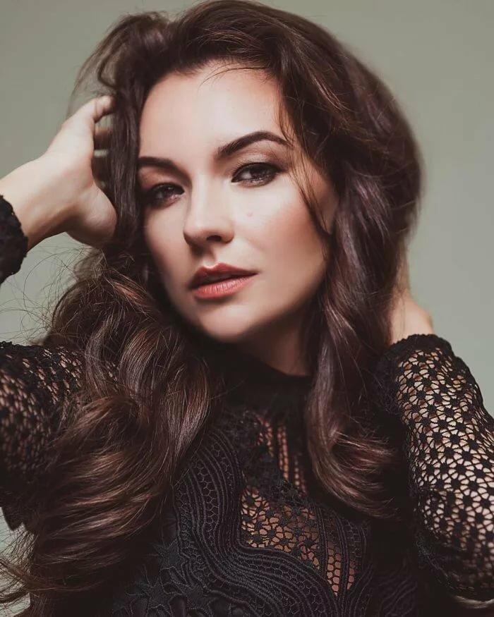 всё закончились инициалы на фотографиях красивых актрис россии другое время