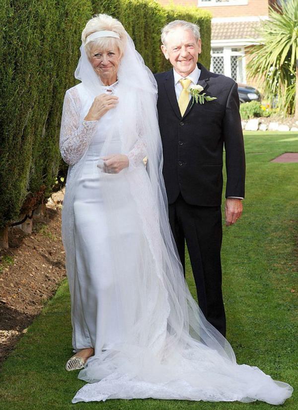 образуются картинки днем свадьбы для людей в возрасте полсотни