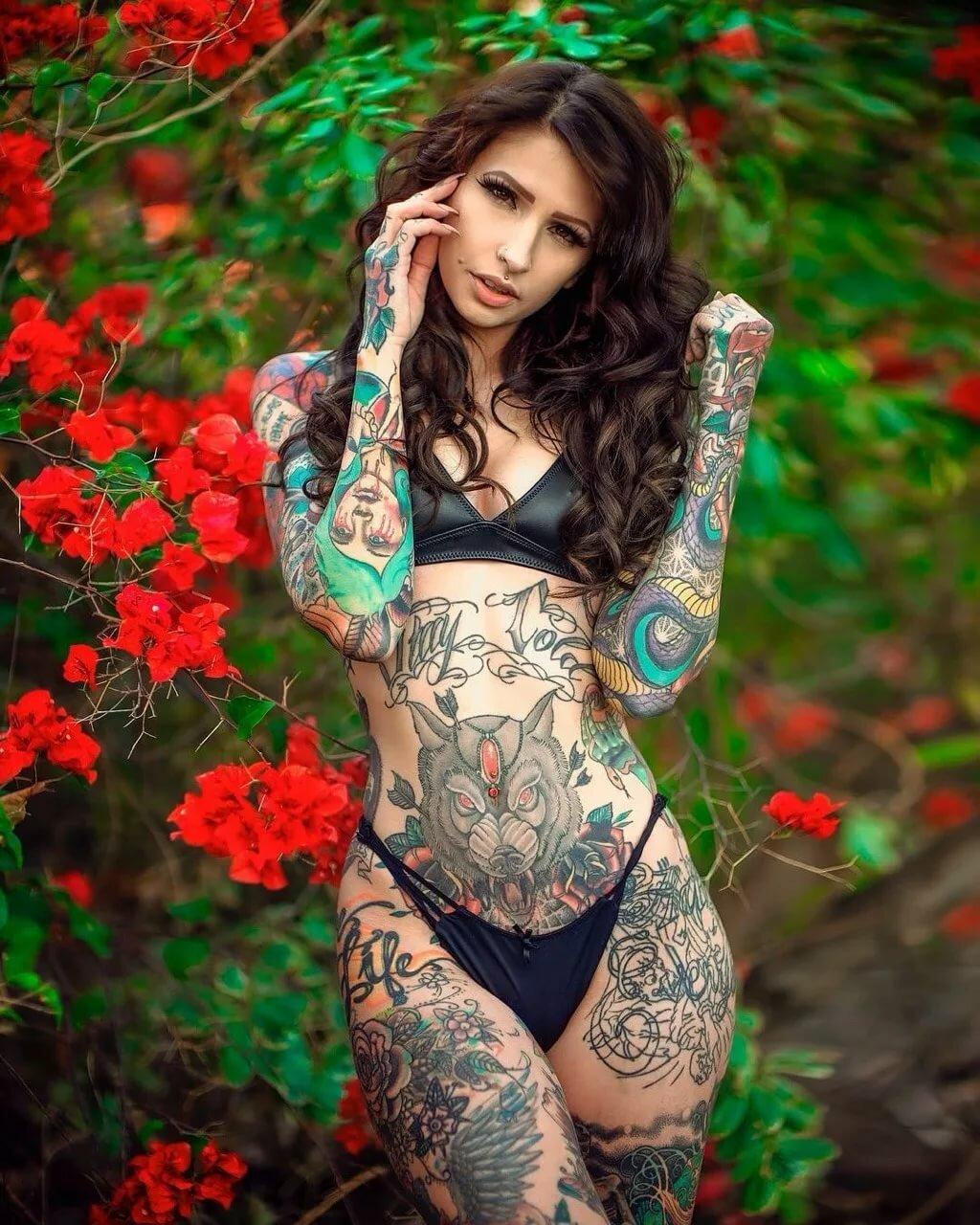 Nude tattooed females