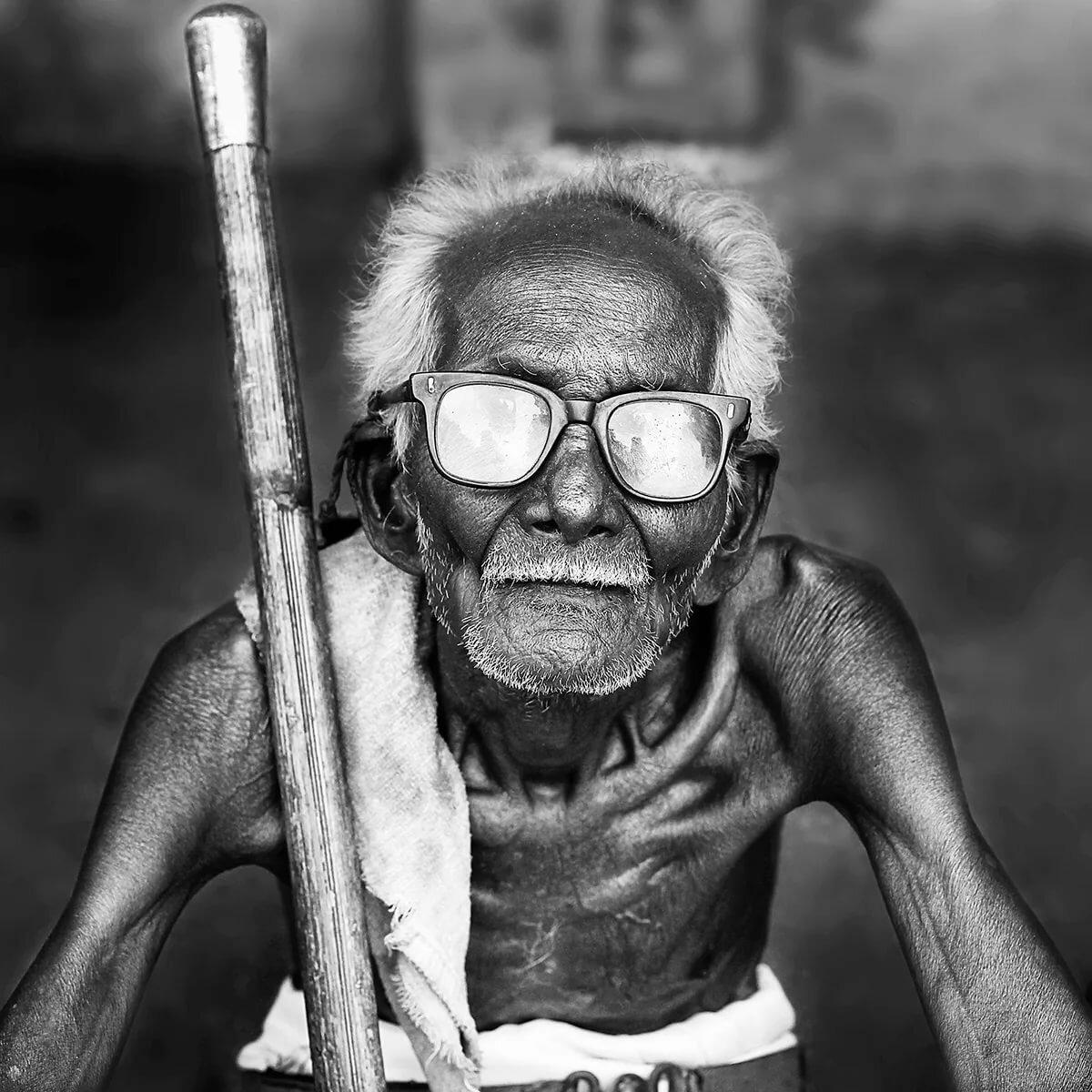 серию прикольные картинки старого деда рассматривая семейный альбом