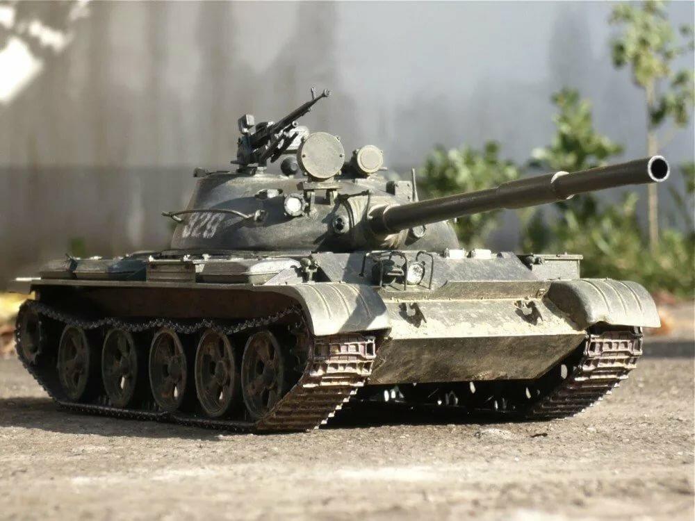 Короткое поздравление танкистам было нарисовано