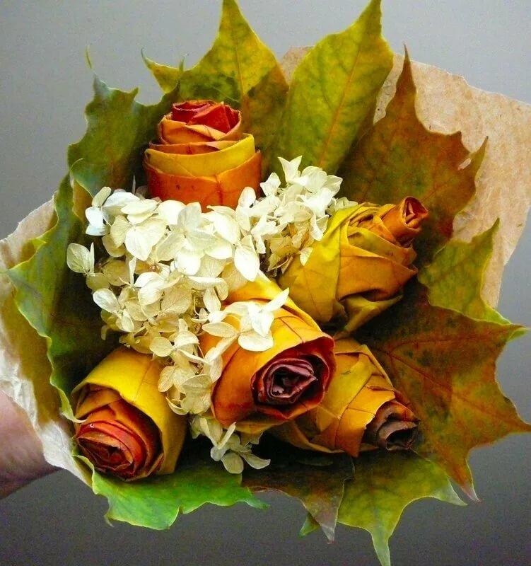 Красивый букет из кленовых листьев своими руками